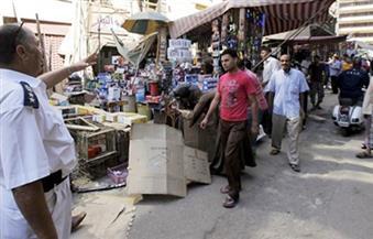 الأمن يطارد الباعة الجائلين بشوارع الزقازيق