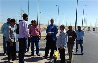 بالصور.. محافظ البحر الأحمر يتفقد الخدمات الأمنية بكمين المطار بالغردقة