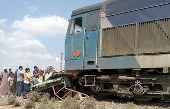 توقف حركة القطارات بين السويس والإسماعيلية بسبب اصطدام قطار بسيارة على القضبان