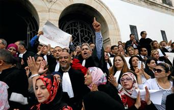 نقابة المحامين في تونس تعلق الاضراب العام بعد اسئتناف المفاوضات مع الحكومة بشأن الضرائب