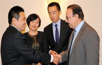 وزير الاتصالات يبحث إنشاء مصنع للإلكترونيات في مصر مع شركة شركة إنسبر الصينية