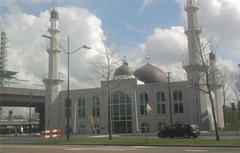 سجن 5 متطرفين بتهمة الاعتداء على مسجد في هولندا بالمولوتوف