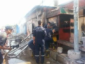 السيطرة على حريق نشب في 3 أكشاك للخردوات بشارع عبد السلام عارف في المنصورة