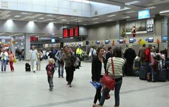 السياحة: وصول 48 رحلة طيران دولية تقل 8 آلاف سائح إلى الغردقة