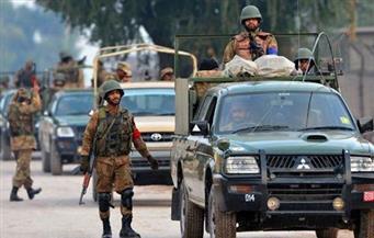 متظاهرون مناهضون لفرنسا يحتجزون ثمانية شرطيين باكستانيين رهائن