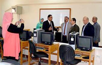 رئيس جامعة بورسعيد يتفقد المعهد العالي للإدارة والحاسب للاطمئنان على سير العملية التعليمية