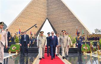 ننشر صور زيارة الرئيس قبر الجندي المجهول وقبري الرئيسين السادات وعبد الناصر في احتفالات ذكري حرب أكتوبر