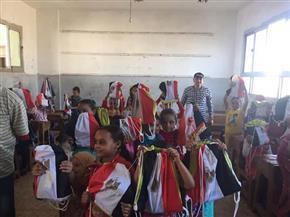 جامعة الزقازيق وجمعية شعاع الخير يحتفلان بانتصارات أكتوبر مع أطفال المدارس بالشرقية