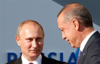 أردوغان يطلع بوتين على سير التحقيقات في اغتيال السفير الروسي