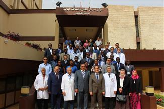 تدريب 29 طبيبًا من إفريقيا على جراحة المسالك البولية للأطفال بمركز غنيم بالمنصورة