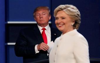 استطلاع: كلينتون تحافظ على تقدمها بخمس نقاط على ترامب رغم تحقيق في رسائل البريد الإلكتروني