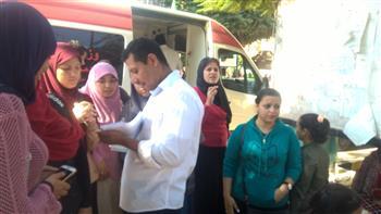 """تحت شعار """"قطرة دم تساوي حياة"""" 112 طالبًا وطالبة يتبرعون بالدم بجامعة المنيا"""