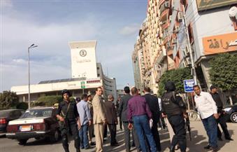 بالصور.. تعزيزات أمنية بشوارع المنصورة ومدير الأمن يتفقد محيط ديوان المحافظة مترجلاً