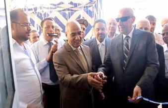 """بالصور.. محافظ أسوان ومدير الأمن يفتتحان """"هايبر وفاء الشرطة"""" لمواجهة الغلاء"""