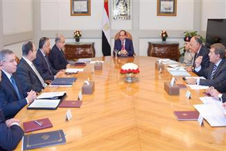 السيسي يجتمع بوزراء الدفاع والداخلية والخارجية ومحافظ البنك المركزي