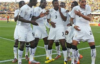 لاعبو غانا يؤدون صلاة الجمعة في الإسماعيلية