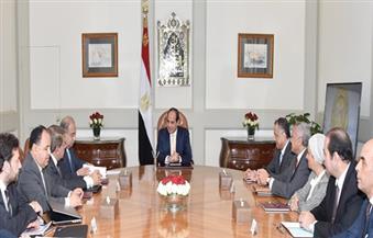 السيسي يجتمع بمحافظ البنك المركزي ووزير المالية لمناقشة نتائج القرارات الاقتصادية الأخيرة