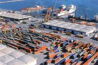 """رغم الطقس السيئ.. انتظام حركة الملاحة بميناء الإسكندرية في ثالث أيام """"نوة عيد الميلاد"""""""