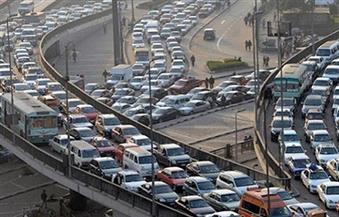 النشرة المرورية.. كثافات بكوبرى 15 مايو ومحور 26 وشارع الثورة