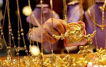 الذهب يرتفع بفعل هبوط الدولار قبيل اجتماع المركزي الأوروبي