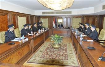 وزير الداخلية يجتمع مع قيادات الوزارة لمتابعة الخطط الأمنية والأداء الشرطى بمختلف المواقع
