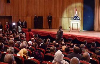 وكيل معلمي سيناء لمستشار الرئيس: كيف تكون ممثلًا للسلطة وتتحدث عن الروتين؟