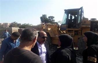 بالصور.. إزالة 300 باكية عشوائية بحي العرب في بورسعيد