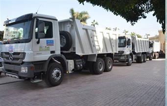 بالصور.. محافظ كفرالشيخ: دعم منظومة النظافة بـ12 سيارة قلاب ولودر حديث