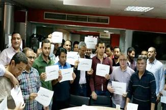 """إدارة """"المصري اليوم"""" تستدعي الشرطة لفض اعتصام الصحفيين.. ومشادة بيبن المستشار القانوني وعضو بمجلس النقابة"""