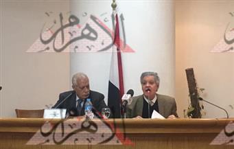 """بالصور.. """"أبوسنة"""" يرثي سوريا بـ""""أبكيك يا دمشق"""".. ويصف الرواية بـ""""طفلة الشعر المدللة"""""""