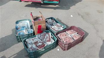 نائب محافظ القاهرة : ضبط سيارتين لبيع الأسماك واللحوم الفاسدة بشارع شبرا