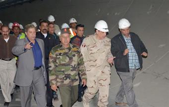 """بالصور.. """"طاهر"""" و""""الوزير"""" يتفقدان سير العمل بمشروع الأنفاق الجديدة أسفل قناة السويس"""