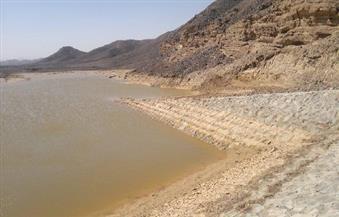 بالصور.. هيئة المياه الجوفية بالبحر الأحمر: انخفاض منسوب السيول بسدود سفاجا