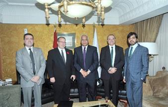 """رئيس """"بومبارديه"""" والسفير الكندي يلتقيان وزير النقل لعرض تنفيذ مشروع مونوريل 6 أكتوبر"""
