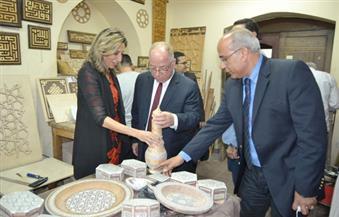 بالصور.. النمنم يفتتح معرض الصناعات الثقافية المصري الصيني