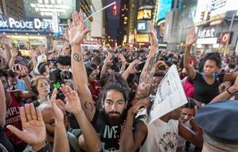 مظاهرات في عدة مدن أمريكية تُطالب برفع الحد الأدنى للأجور لـ 15 دولارًا في ساعة