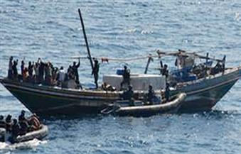 """القوات البحرية تضبط """"باركر"""" محملاً بستة أطنان مخدر الحشيش و13 مهربًا فلسطينيًا وسوريًا"""