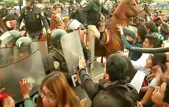 بالفيديو..اشتباكات بين الشرطة ومحتجين على مصارعة الثيران في بيرو