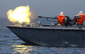 زوارق إسرائيلية تستهدف مراكب لصيادين فلسطينيين في بحر غزة