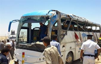 النيابة تنتقل لمناظرة جثث المتوفين في حادث طريق السويس ولجنة  لفحص الأتوبيس والسيارة
