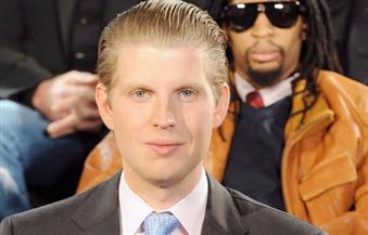 """نجل ترامب ينشر صورة """"سيلفي"""" مع بطاقة اقتراع بشكل غير قانوني على """"تويتر"""""""