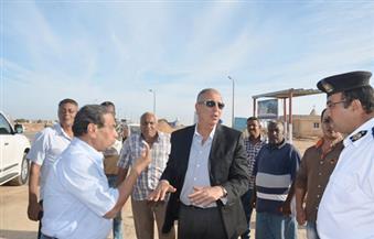 محافظ البحر الأحمر يتفقد الأكمنة المرورية بمدينة رأس غارب