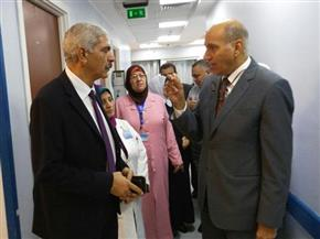 بالصور.. شوشة يفاجئ المركز الطبي لسكك حديد مصر للاطمئنان على صحة العاملين