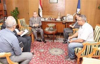 """محافظ دمياط يبحث إجراءات تنفيذ """"رد الشئ لأصله"""" لأعمال الغاز الطبيعى بكفر سعد"""