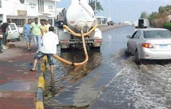 انتشار مروري وسيارات لشفط مياه الأمطار بالجيزة