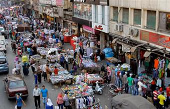 تكثيف حملات مطاردة الباعة الجائلين ورفع الإشغالات  من شوارع وميادين حى الموسكى