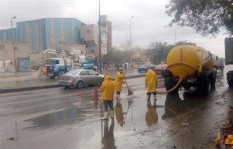 رفع وتصريف تجمعات مياه الأمطار في كفر سعد  بدمياط