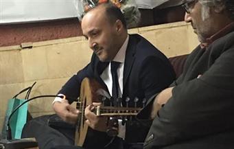 """بالصور.. أحمد القرملاوي في توقيع """"أمطار صيفية"""": أكتب نفسي في رواياتي..  وأرفض مصطلح """"الأدب المحافظ"""""""