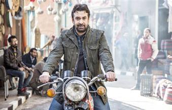 كريم عبدالعزيز ينشر صور كواليس مسلسله الجديد «الزئبق»