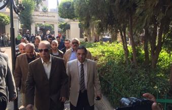 بالصور.. محافظ القاهرة يزور مصابى حادث انفجار كنيسة العباسية